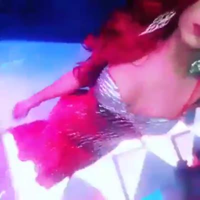 Video 2 de Ariana 3102317864