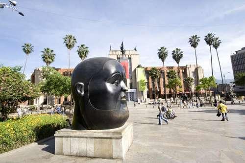 plaza-botero