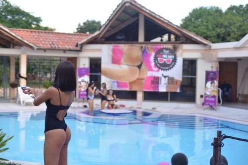 pool-party-en-flirt